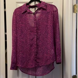 Jessica Simpson breezy shirt with peep-back